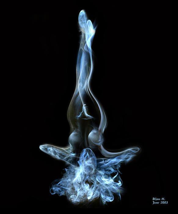 girl-in-smoke-bijan-habashi